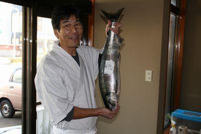 寝屋漁協の鮭.jpg