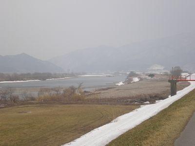 雪解けの荒川.jpg