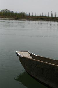 荒川の川舟.jpg