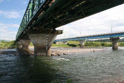 荒川の鉄橋真下.jpg