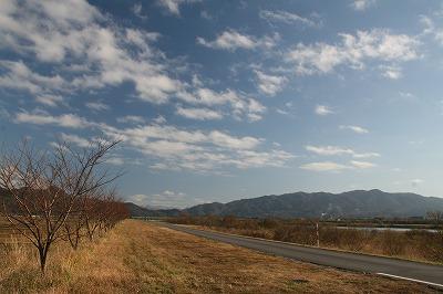 青空の荒川.jpg