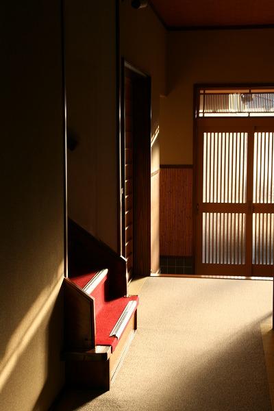 いづみや旅館裏玄関.jpg