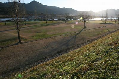 朝の荒川.jpg