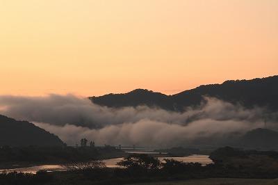 吹き出しの雲.jpg