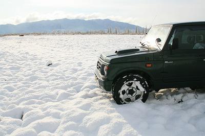 雪景色とジムニー.jpg