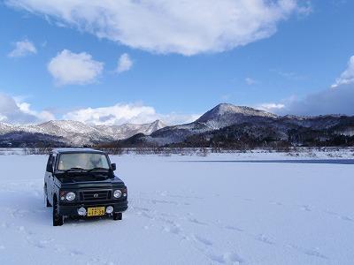 雪と青空とジムニー.jpg
