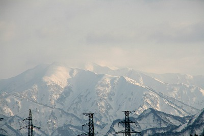 冠雪の飯豊連峰.jpg