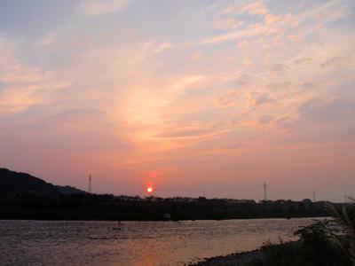 荒川の夕陽.jpg